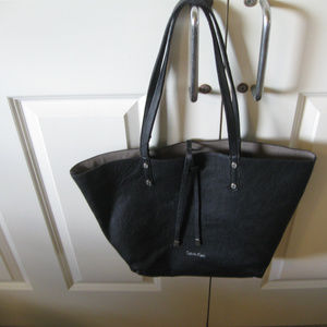 CALVIN KLEIN BLACK FAUX LEATHER TOTE LG/16x13""